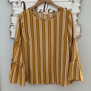 Gilli | Bell Sleeve Top